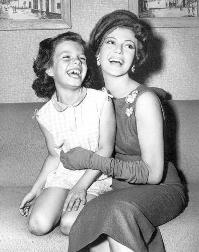 Rita Hayworth with her daughter Yasmin Aly Khan
