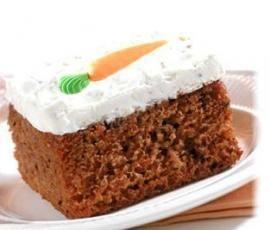 Carrot Cake with Cream cheese (Karottenkuchen mit Frischkäse Belag)