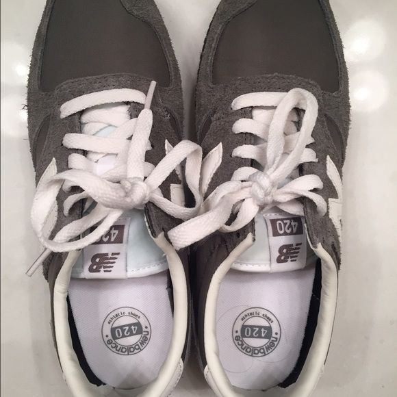 New Balance 420 women's size 7.5 Like new gray New Balance 420 sneakers. Worn only once and in excellent condition! New Balance Shoes Athletic Shoes