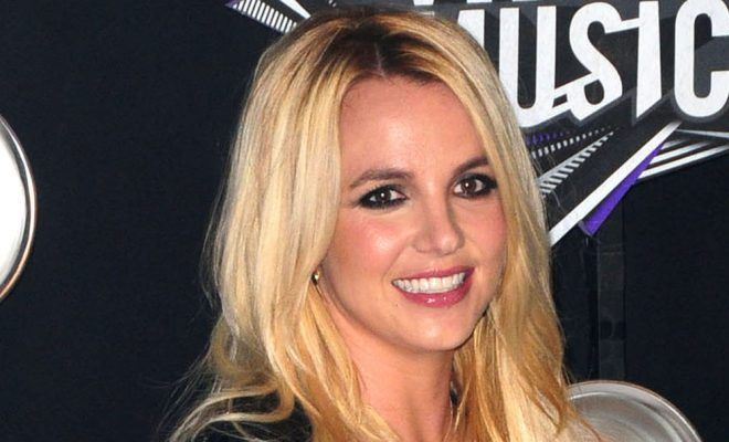 Britney Spears helps raise 1 million for charity