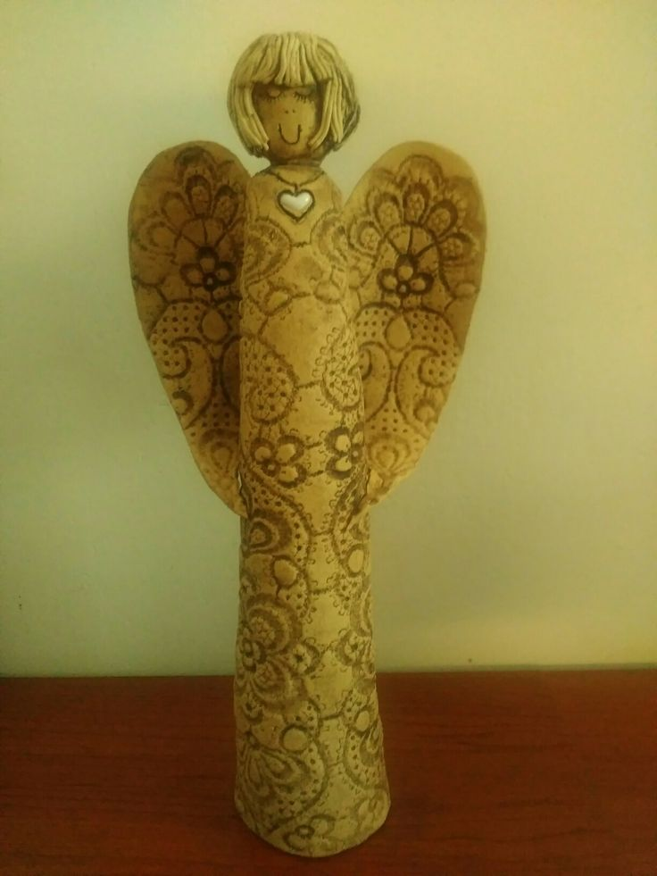 Anděl z keramiky