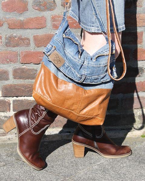 Tasche aus Jeansrock und Lederjacke / Bag made from denim skirt and leather jacket / Upcycling