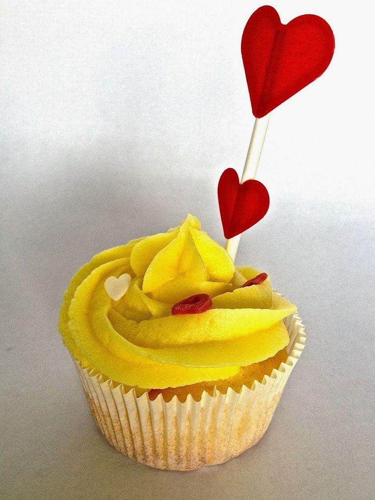 Rebekka's craft room: Valentine lemon cupcake with recipe and tuturial / Recette et tuto pour cupcakes au citron pour la St-Valentin