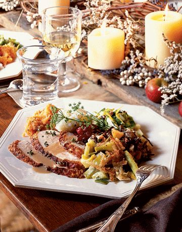 Classic New England #Thanksgiving Menu: #recipes for holiday oyster stew, roasted apple turkey with apple brandy gravy, cranberry-pear wild-rice stuffing, apple-cheddar crumble pie & more!