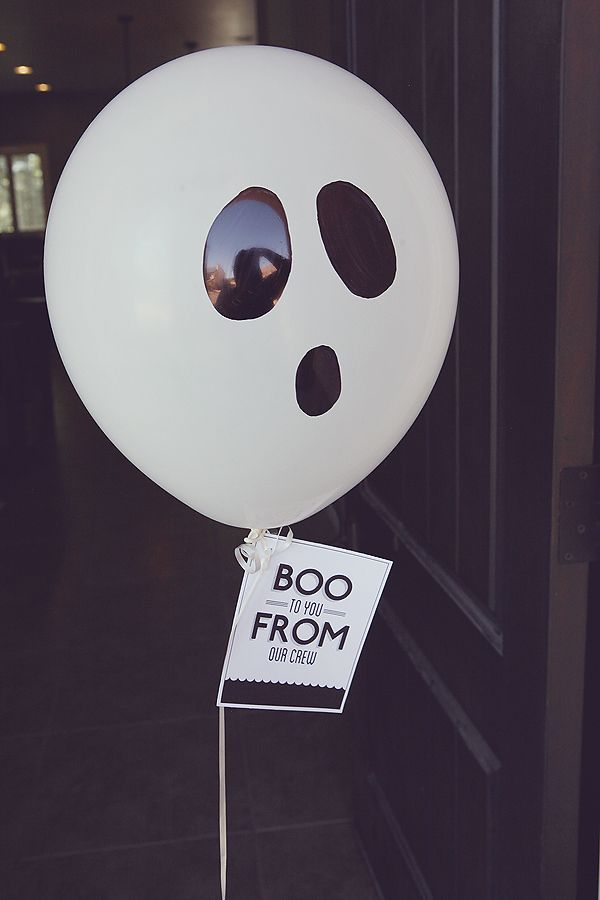 Boo to You - Surprise someone by leaving a treat on their doorstep. Includes free printable!: