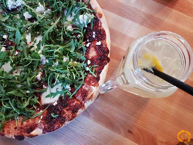 Nasza Wielka Wyzerka W Sliwka W Kompot Sopot W Menu Pizza Sliwkowelove Z Pysznym Slodkim Sosem Sliwkowym Pelna Recenzja Pod L Food Blog Food Vegetable Pizza