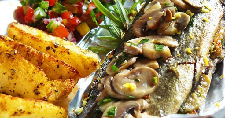 Obiad - Pstrąg pieczony z aromatycznymi, cytrynowymi pieczarkami