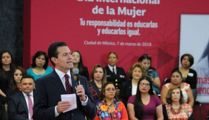 """Al conmemorar el Día Internacional de la Mujer, EPN ignora hablar de feminicidios, reconoce el trabajo de Rosario Robles y celebra que ya no hay tantos """"machos"""" en el país – Revolución 3.0"""