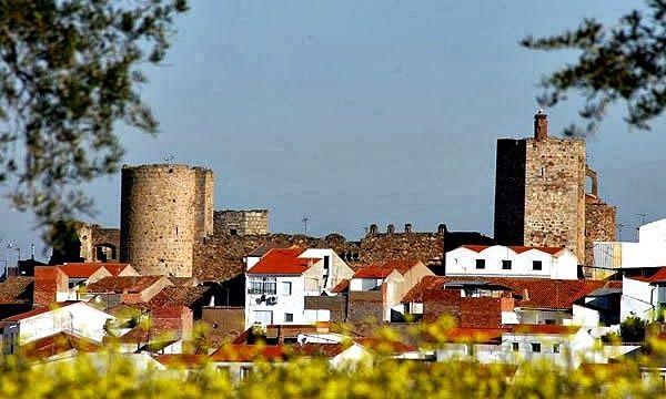 El Castillo de Arribalavilla. El ayuntamiento #Zalamea ha realizado tres campañas de excavaciones. Gracias Señores @AmigosdeZalamea