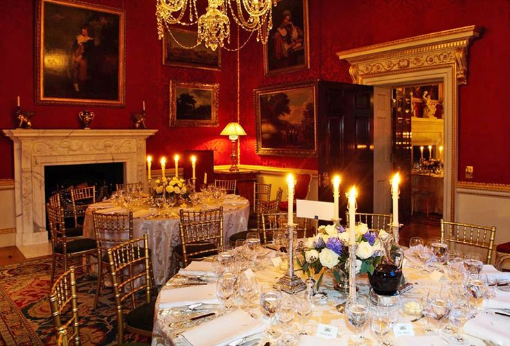 Lady Spencer's private drawing room is ideal for dining for up to 36 guests or as a reception area.