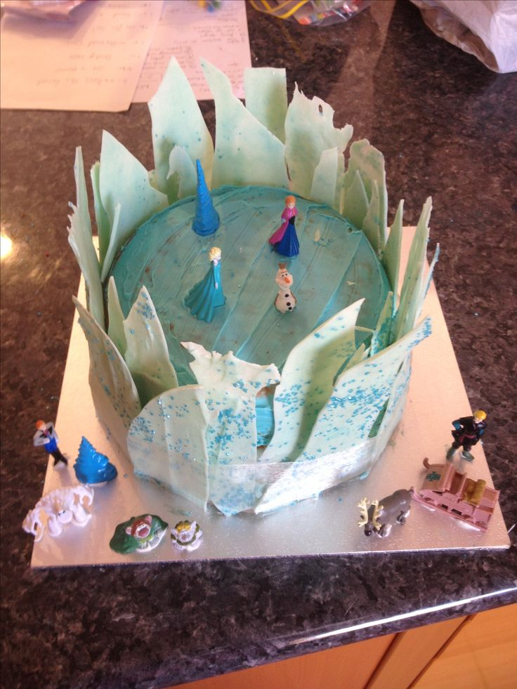 Frozen birthday cake - 2015