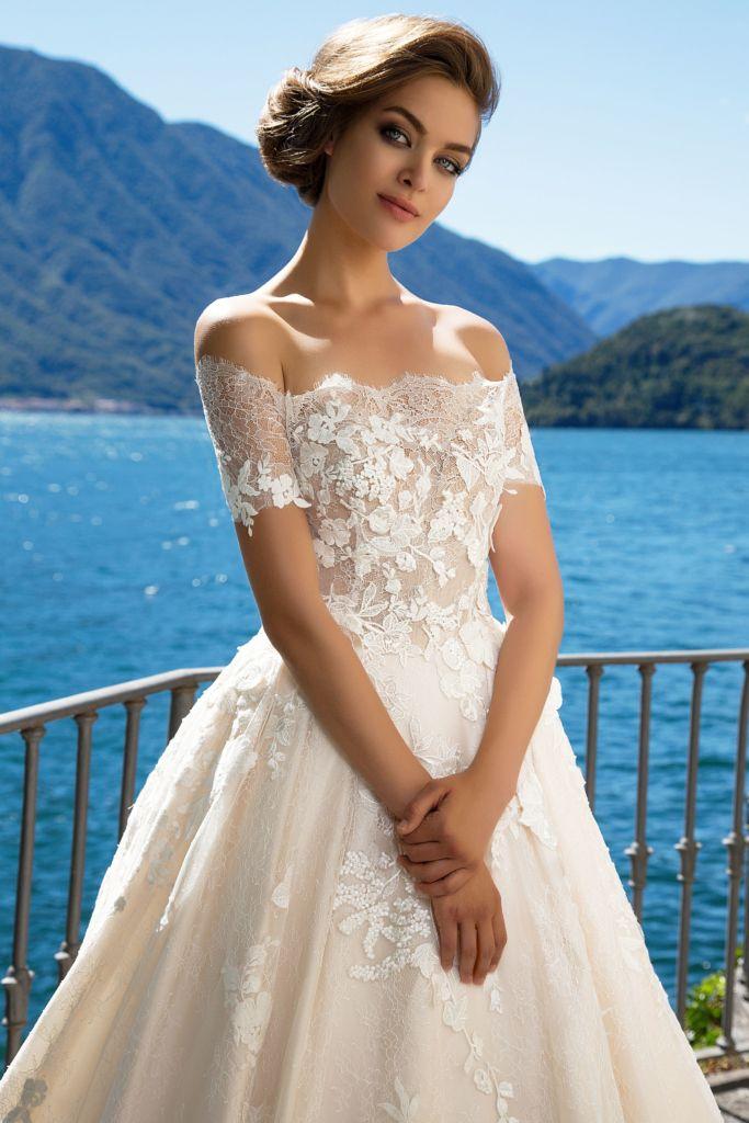 39 best Wedding Dresses images on Pinterest | Short wedding gowns ...