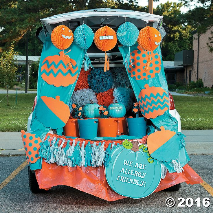 trunk or treat teal pumpkin dcor idea - Cute Halloween Decor