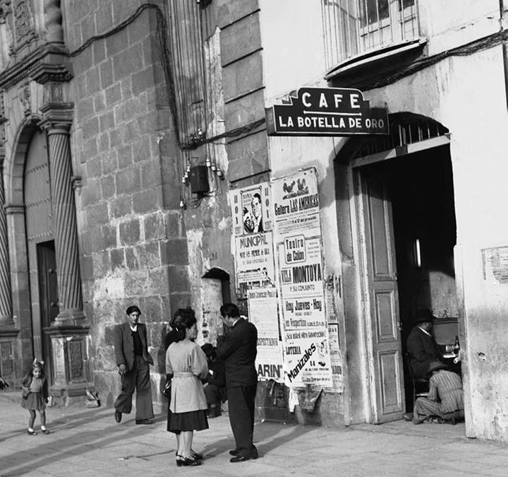 LA BOGOTÁ DE ANTAÑO: ¿Aguien sabía del café que hubo al lado de la capilla del sagrario?, muy cerca de la catedral primada. Publicación de Joselh Hómez.