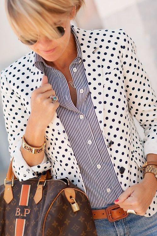 Love the pattern mixing ~ easy casual look.  And I like the idea of a blazer with pattern instead of just boring solid.