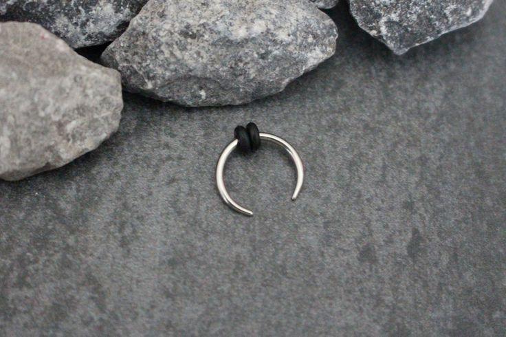 Crescent Septum Piercing Pincher