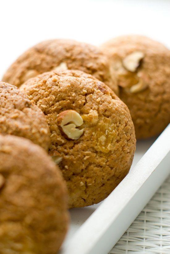 Cookies Amandes, Noix de Coco & Abricots Secs   Lilie Bakery http://liliebakery.fr/cookies-amandes-noix-de-coco-abricots-secs/