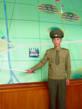 DMZ_north_korea_stanito_soldier_explaining
