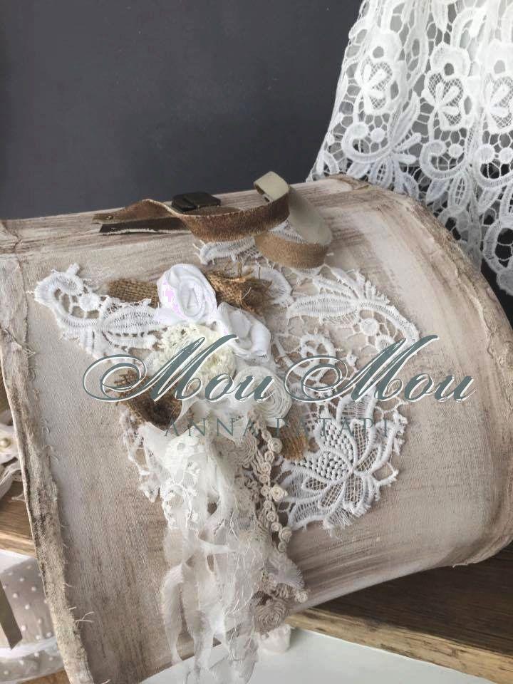 Βαλίτσα βάπτισης από ύφασμα και ξύλο με δερμάτινα χερούλια με στόλισμα δαντέλας και λουλούδια. Wood and fabric box, leather handles with lace and fabric flowers. #annapatapi #moumou2017 #vintage #romantic #Moumounewcollection #specialoccasions #childrenswear #Official #Nursery #outfit #wedding #dress #romanticweddingdress #επίσημο #παιδικό #ρούχο #γάμος #νυφικό #αγόρι #κορίτσι #boy #girl #baby #βάπτιση #βαπτιστικά #ρομαντικό #φόρεμα