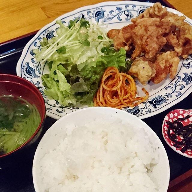 ご夫婦でやっているお店で口喧嘩が聞こえるといたたまれないのであった  #dinner#chicken#rice#japan#japanesefood#food#foodgasm#foodporn#foodie#instadaily#photooftheday#picoftheday#写真#夫婦#ごはん#定食#ごちそうさまでした#夕食#よるごはん#ばんごはん#夜ごはん#晩御飯#晩ごはん#唐揚げ#からあげ#しんどい#肉#お肉##大阪