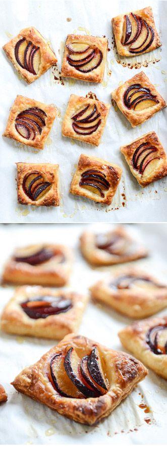 Plum Pastry Tarts - a super simple summer treat! I howsweeteats.com