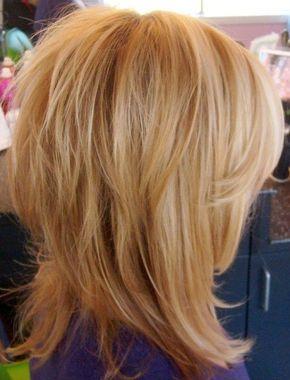 Medium Shaggy Frisuren für feines Haar