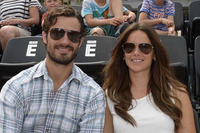 Le prince Carl Philip et la princesse Sofia assistent aujourd'hui au tournoi de tennis de Bastad.