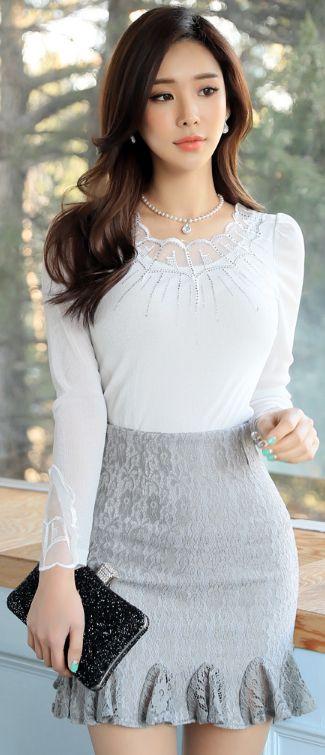 StyleOnme_Ruffle Hem Floral Lace Skirt #grey #ruffle #floral #lace #skirt #elegant #feminine #koreanfashion #springtrend #kstyle #dailylook