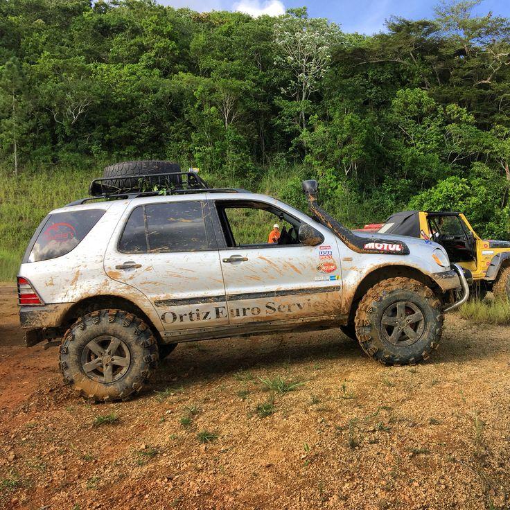 Ml off road mercedes ml off road pinterest 4x4 for Mercedes benz ml320 tires