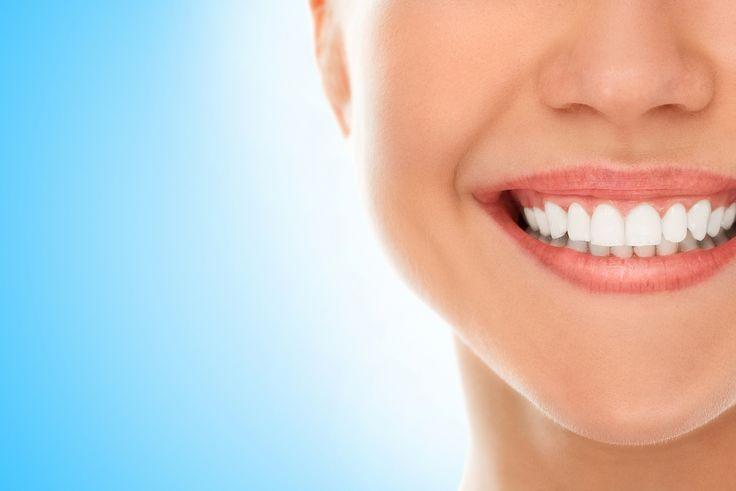 La sensibilidad dental es un breve y agudo dolor que surge en respuesta a un estímulo como puede ser al frío, calor y sustancias ácidas. ¿Sabes cómo prevenirlo? #DentalCare #Gums #Teeth #Health
