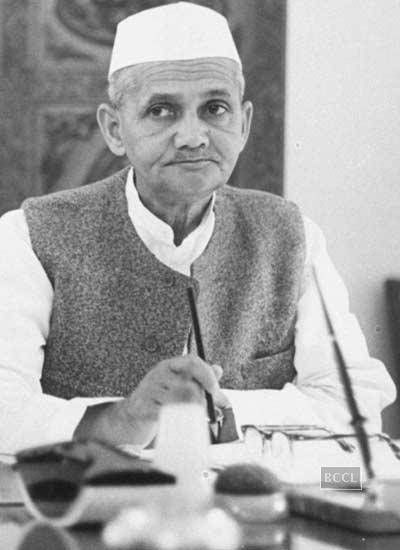Freedom fighters of India. Man of supreme patriotism Lal Bahadur Shastri played a key role in India's freedom struggle by mobilizing the protest against the Britishers.