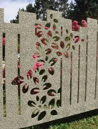 Oltre 25 fantastiche idee su recinzioni da giardino su for Divisori con fioriere