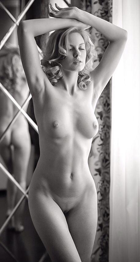 Charlize theron full frontal nude