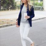 Ideas de outfits para combinar el color azul marino