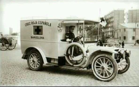 Ambulancia de la Cruz Roja de Barcelona. 1915.