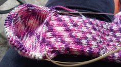 Strikkeheklebloggen: Sokker strikket med Magic Loop
