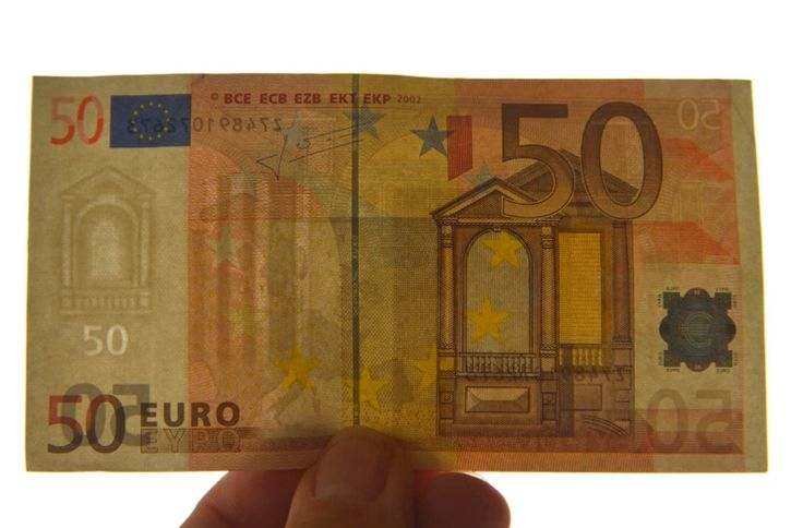Police warn of counterfeit euros in #Kaiserslautern area //