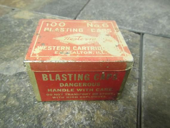 Vintage Metal Western Blasting Caps Empty Tin 100 No 6 Blasting Caps Tin Container Western C In 2019 Tin Containers Vintage Metal Vintage