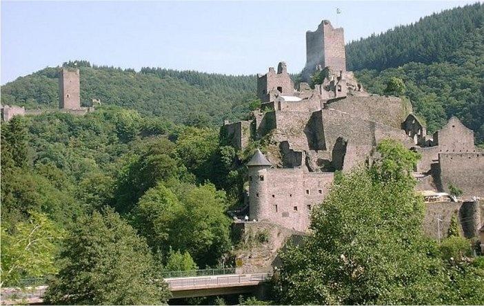 Burcht Manderscheid in de Eifel