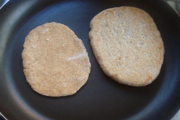 Pan Pita integral en la sartén