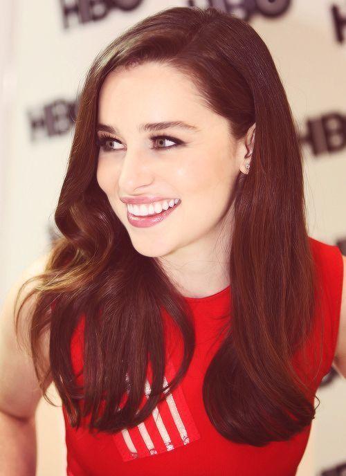 Emilia Clarke red dress brunette babe #whatasmile! <3