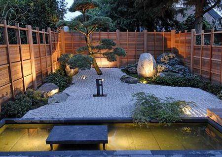 Lovely zen like backyard! Should put this in the hot tub folder. Tb
