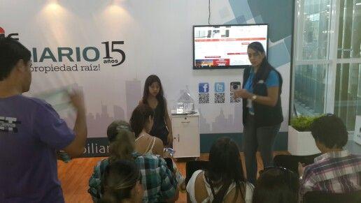 MI CLIENTE EN MARKETING DIGITAL: El stand de la revista Informe Inmobiliario en la feria inmobiliaria 2o13 en Medellin.