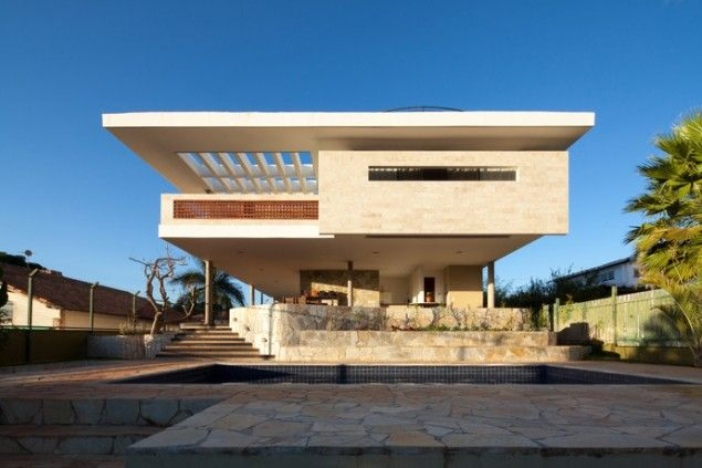 JPGN House by Macedo, Gomes
