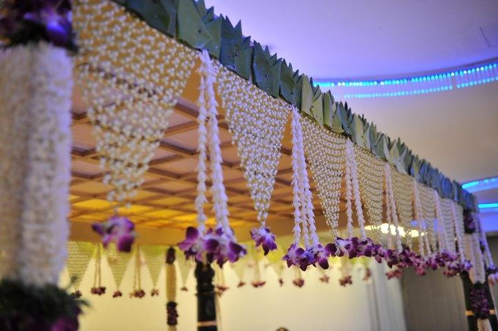 Jasmine net with lotus