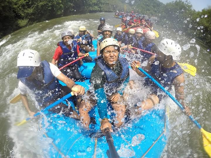 The Don'ts of White Water Rafting >>. Rafting is undeniably an amazing experience. However, one must keep certain precautions in mind in order to ensure their own and fellow travelers safety. Here is a list of don'ts for white water #rafting. #RiverRafting