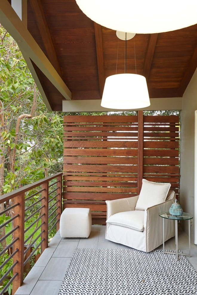 Balcony-seating-ideas-deck-transitional-with-wood-slat-screen-privacy-screen-outdoor-living-space.jpg (660×990)
