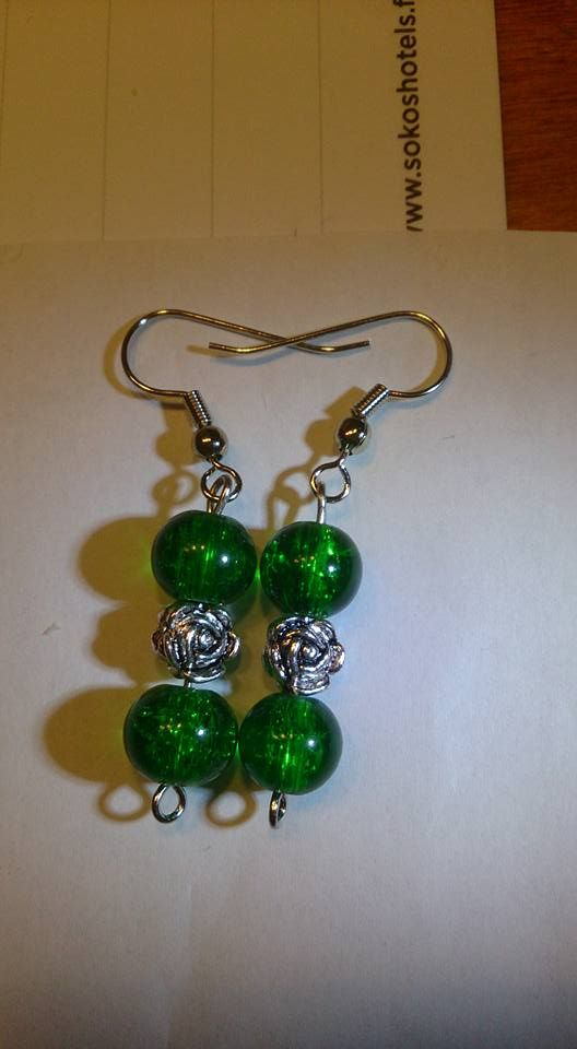 Green rosy earrings