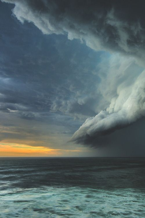 Best Hauts Rages Storms Clouds Images On Pinterest Storm - Beautiful photographs of storm clouds look like rolling ocean waves