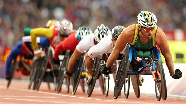Kurt Fearnley of Australia leads the field in the Men's 5000m - T54 heats on Day 2 of the London 2012 Paralympic Games at the Olympic Stadium